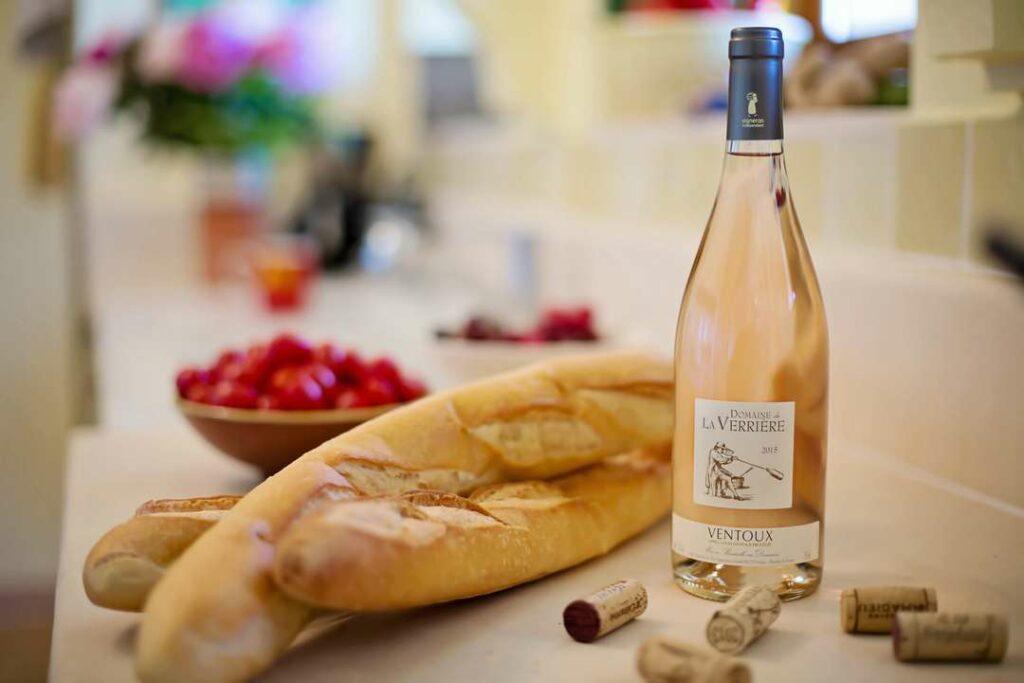вино и багет