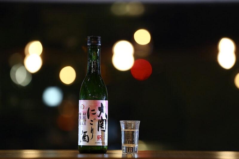 саке в бутылочке