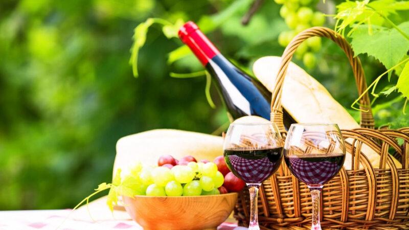 вино на пикнике