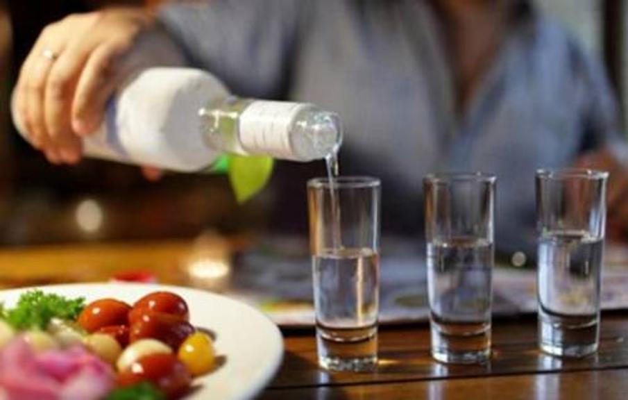 водка и стопки