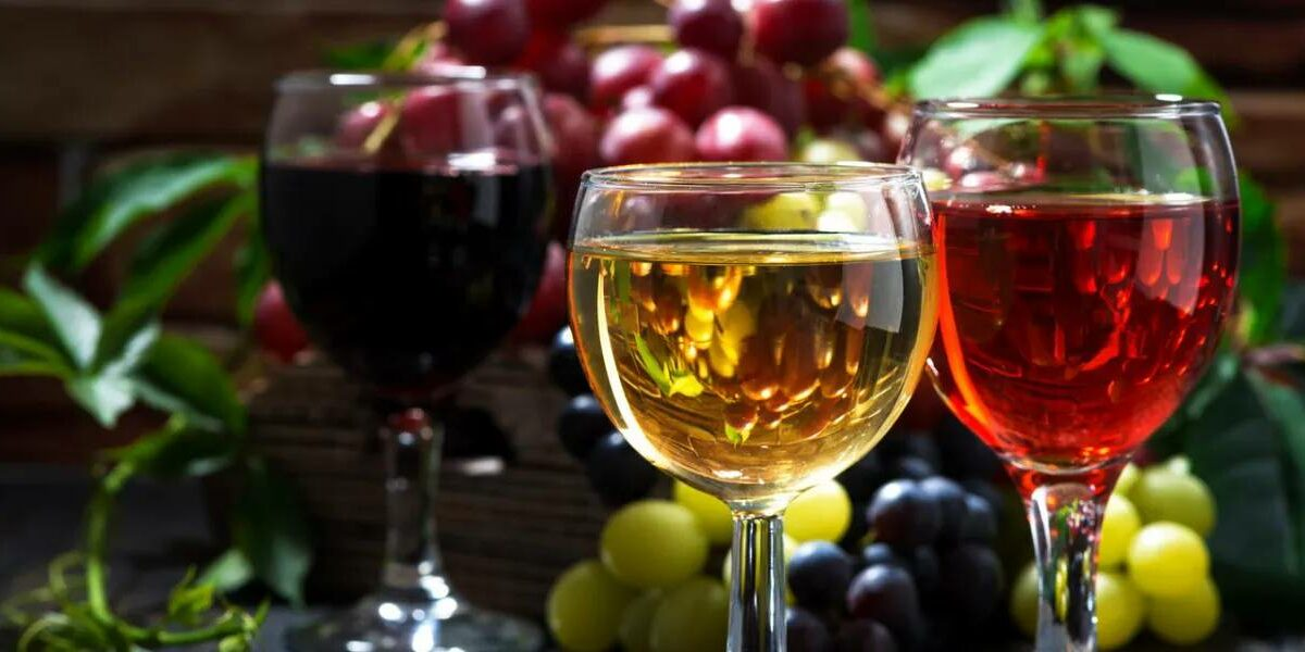 3 бокала вина