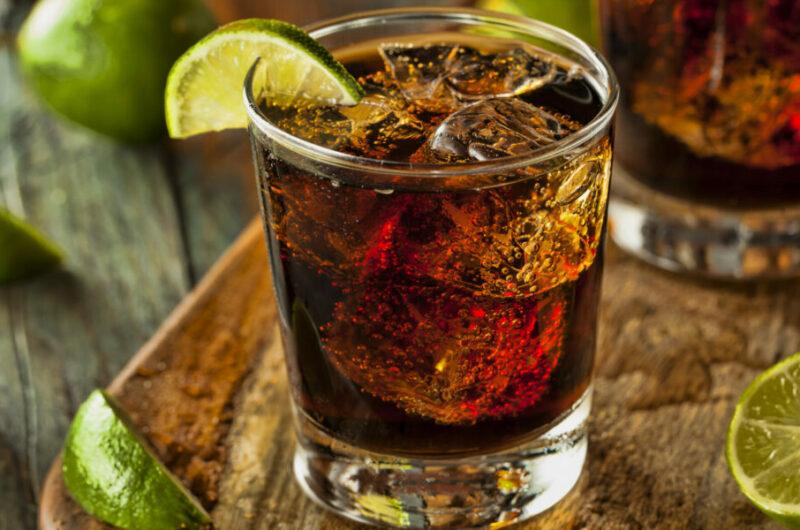 Как приготовить коктейль Куба Либре
