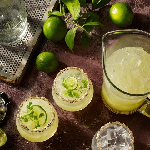 маргарита в стаканах