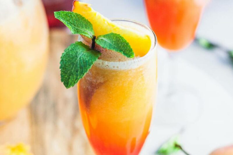 Как приготовить коктейль Беллини?
