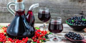 Как приготовить вино из смородины — Простой рецепт и инструкция