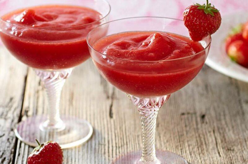 Как приготовить коктейль Клубничный Дайкири?