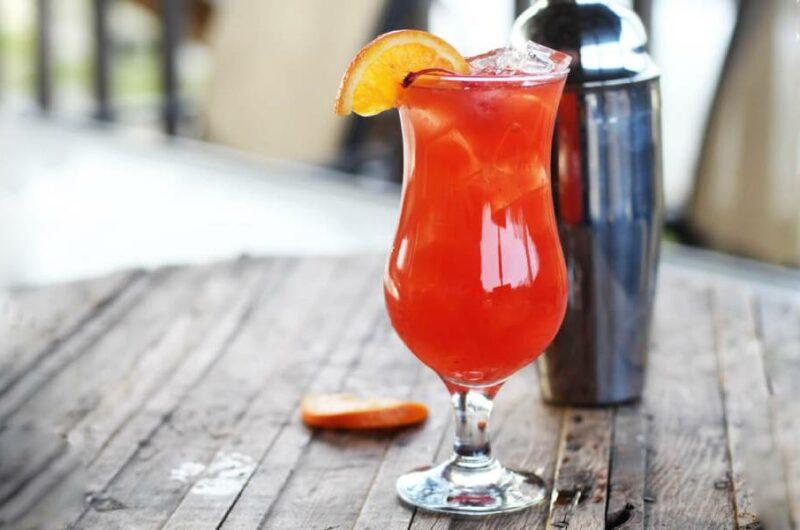 Как приготовить коктейль Ураган