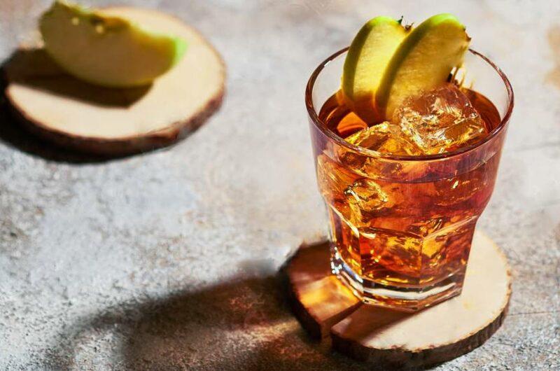 Как приготовить коктейль Виски С Яблочным Соком