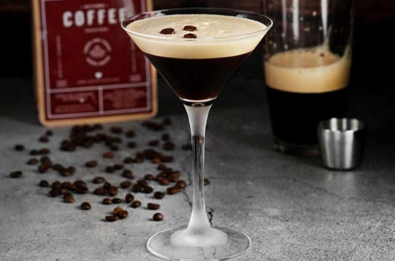 Как приготовить коктейль Эспрессо Мартини
