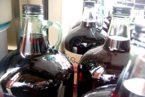 вино из малины дозревание