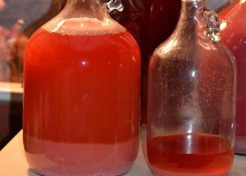 осадок в клубничном вине