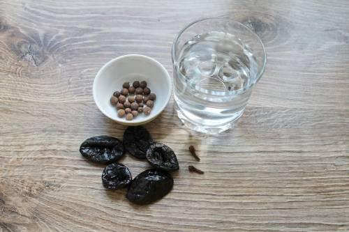 ингредиенты для настойки на черносливе